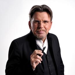 Moderator Stephan Klapproth