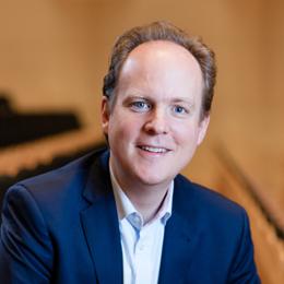 Keynote Speaker Raphael von Hoensbroech